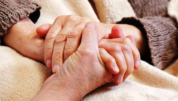 Conoce los cuidados que debe tener un paciente con Parkinson en casa.
