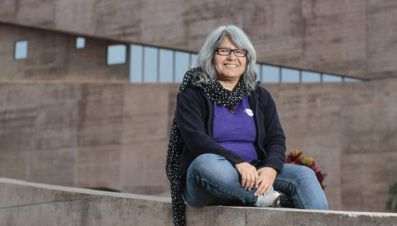 La doctora Myriam Pajuelo es investigadora principal de un proyecto de observación de espectros de asteroides binarios. (Foto: PUCP)