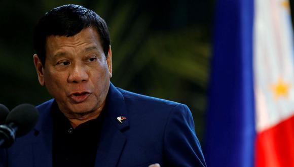 El presidente filipino Rodrigo Duterte habla durante una conferencia de prensa en el Aeropuerto Internacional Ninoy Aquino en Paranaque, Metro Manila, Filipinas, 24 de mayo de 2017. (REUTERS/Erik De Castroe).