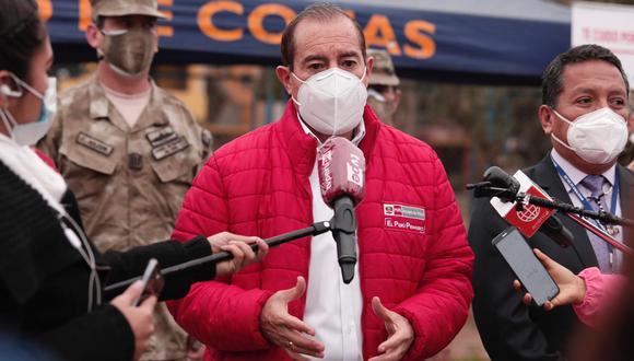 Primer ministro cuestionó dictamen que busca la reposición de maestros. (Foto: Ángela Ponce/ archivo/ GEC)