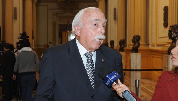 El vocero de Fuerza Popular, Carlos Tubino, manifestó que quieren hacer respetar la Constitución y las leyes. (Foto: Difusión)