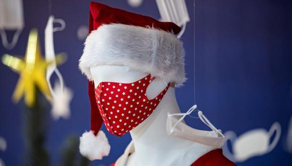 Es importante asear de forma adecuada nuestras mascarillas reutilizables. (Foto: AFP)