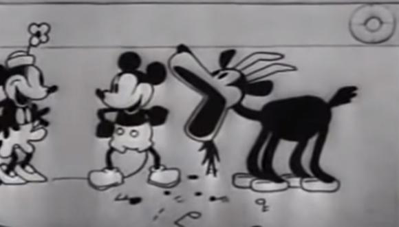 """Mickey y Minnie Mouse en """"Steamboat Willie"""". (Captura de pantalla)"""