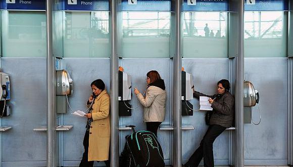 Cuando entre en vigencia el acuerdo del Mercosur, las compañías telefónicas dejarán de cobrar por el cargo del servicio de roaming internacional. (Foto: AFP)<br>