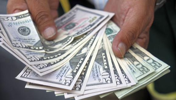 El dólar avanzó a S/.2,814 presionado por compras de bancos