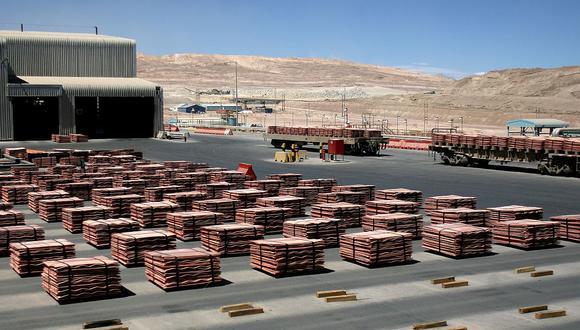 El cobre de la LME tendría que repuntar a US$9.225 para evitar pérdidas adicionales. (Foto: AFP)