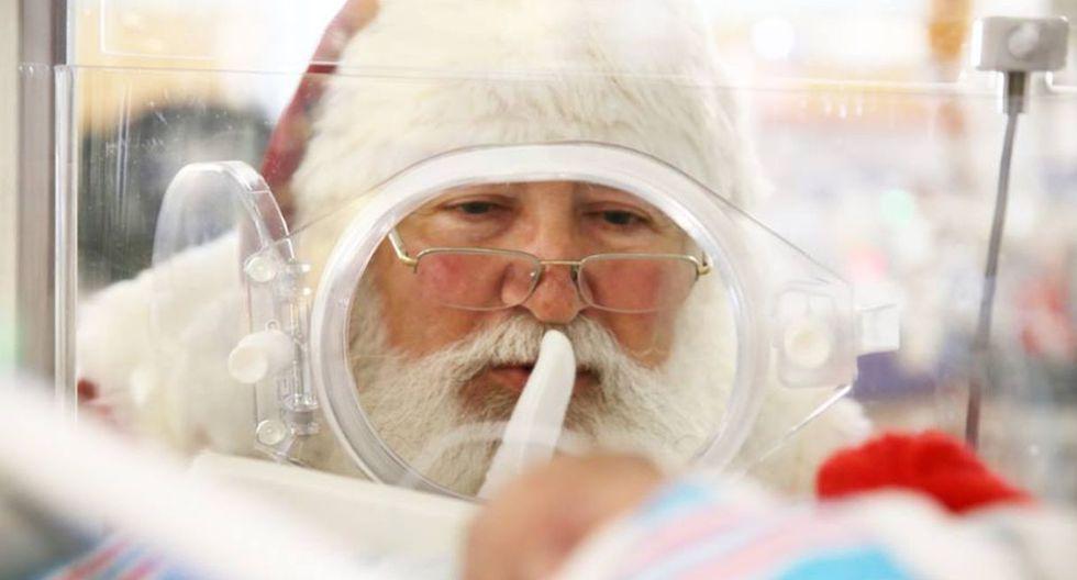 Antes de iniciar su ronda de Nochebuena, Papá Noel  pasó a visitar a los niños en las incubadoras de un hospital de Estados Unidos. (Foto: Facebook USA Children's & Women's Hospital)