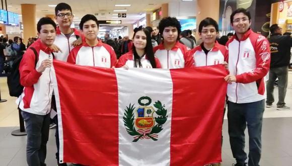 Ministra Flor Pablo deseó suerte a los estudiantes. Competencia será del 13 al 22 de julio. (Foto: Difusión)
