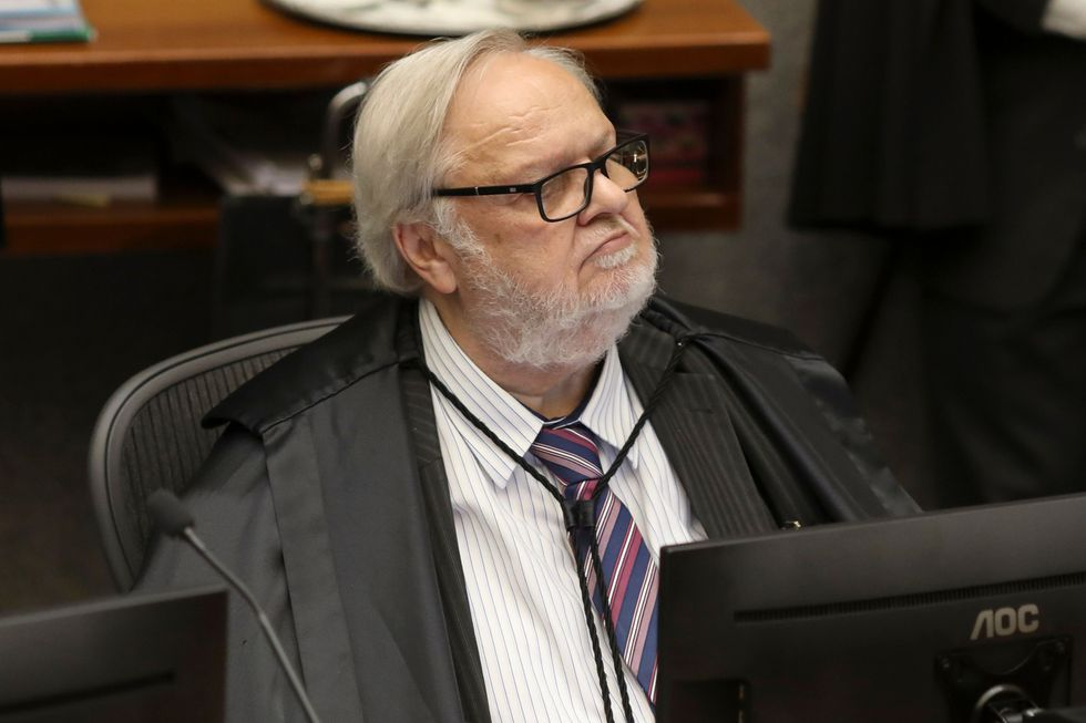 El juez Felix Fischer, instructor de la Quinta Sala del Tribunal Superior de Justicia (STJ) de Brasil, propuso que la pena aplicada por corrupción al ex presidente Luiz Inácio Lula da Silva sea reducida a 8 años y 10 meses. (AFP)