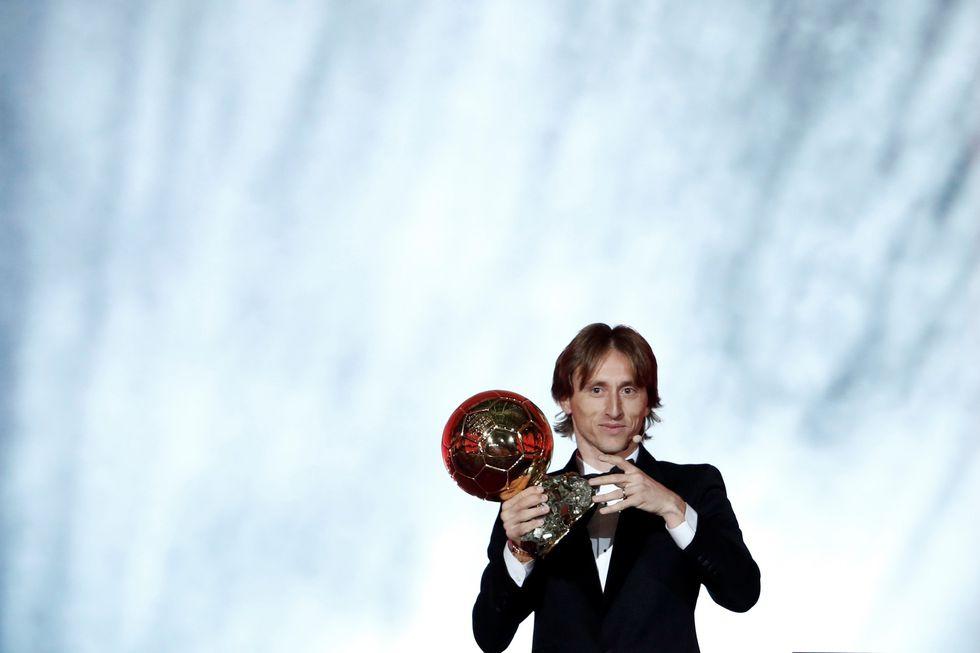 Luka Modric fue condecorado con el Balón de Oro. | Foto: Reuters