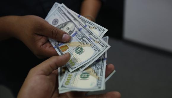 En el mercado paralelo o casas de cambio de Lima, el tipo de cambio se cotiza a S/3,550 la venta. (Foto: GEC)