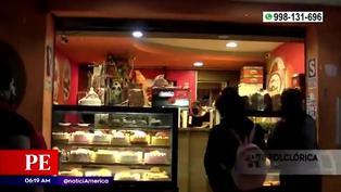 Delincuentes roban panadería en Comas