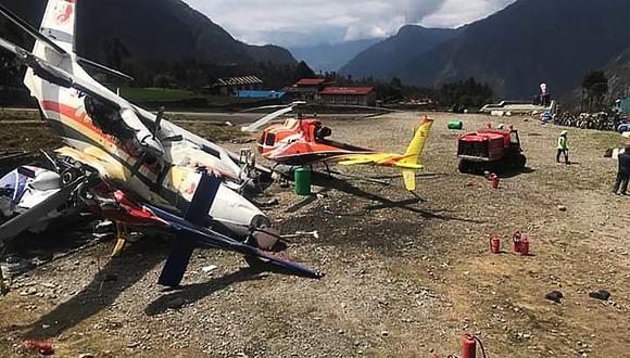 La avioneta se estrelló contra dos helicópteros. (Foto: AFP)