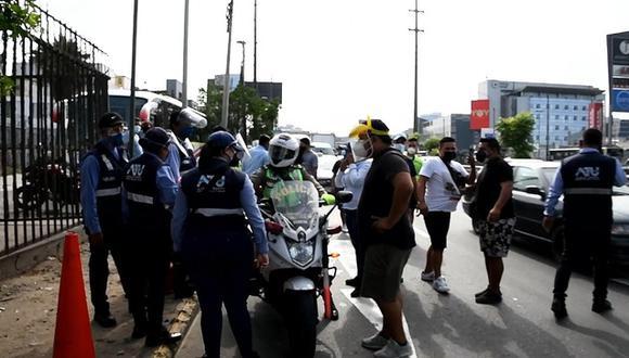 Agresión a fiscalizadores de la ATU ocurrió cerca al Jockey Plaza durante un operativo contra el servicio informal de transporte | Foto: Captura ATU