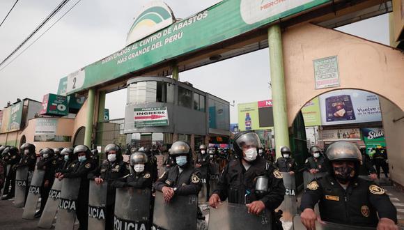 Clausuran de forma temporal el Mercado de Productores de Santa Anita. (Foto: Ángela Ponce / @photo.gec)
