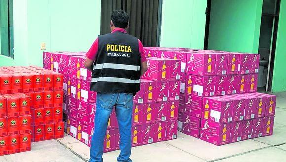 Policía investiga procedencia de la mercadería incautada. (Foto: Correo Tacna)