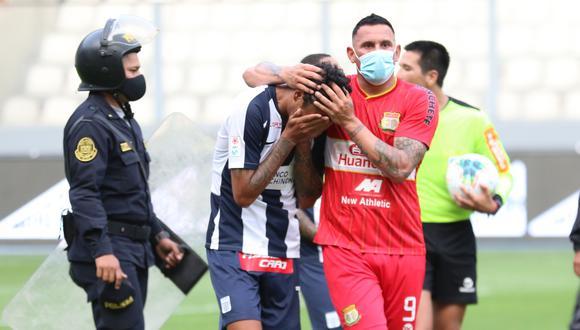 El 'Ché' Beltrán llora tras el final del partido. (Foto: Liga 1)