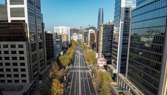 Chile está en confinamiento para frenar el coronavirus. (AFP / MARTIN BERNETTI).
