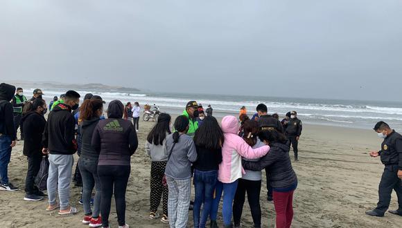 El dueño de la embarcación Sixto Bernal Chiroque, de 51 años, fue hallado sin vida en la orilla de la playa El Castillo, en el distrito de Culebras. (Foto: cortesía Elsa Pereda)