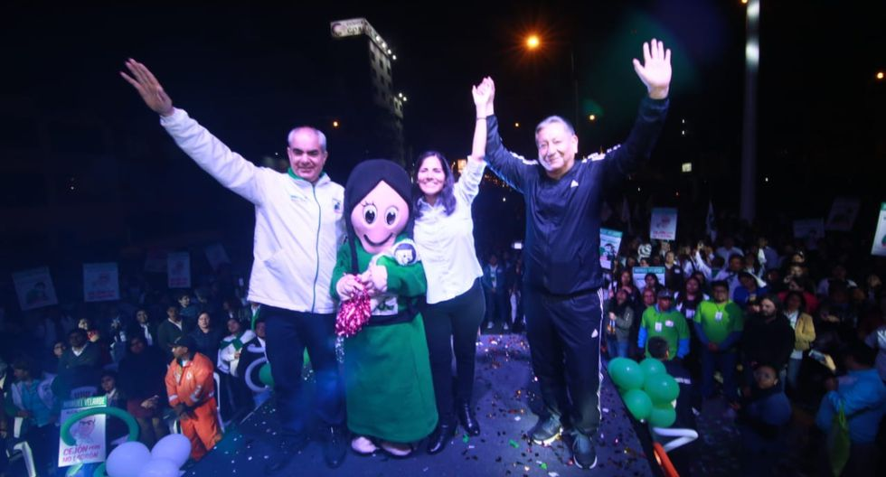 Manuel Velarde, alcalde de San Isidro y candidato de Siempre Unidos, realizó su cierre de campaña en Independencia. (Foto: Difusión)