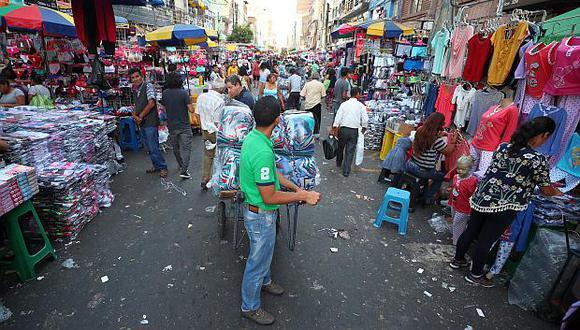 Para reducir la informalidad laboral en Lima se requiere una tasa auspiciosa de crecimiento, advierten economistas. (Foto: GEC)