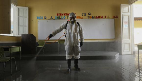 La Municipalidad de Lima dispuso las labores de limpieza y desinfección de estos espacios a fin de evitar el COVID-19. (Foto: MML)