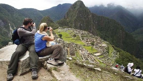 Turistas en Machu Picchu, principal atractivo del Perú.