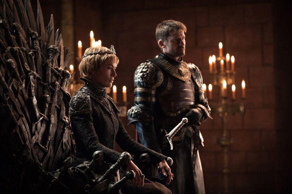 La espada salió de la función de la espada de Ned Stark y fue entregada a Joffrey, luego a Tommen y finalmente se la dio a Jaime Lannister. (Foto: HBO)