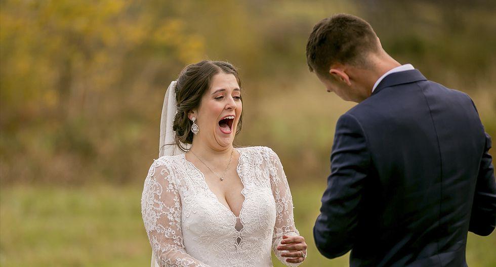 El tipo que 'no quiere mascotas' finalmente se rinde el día de su boda. La historia es viral en Facebook. (Wild and Wonderful Photography)