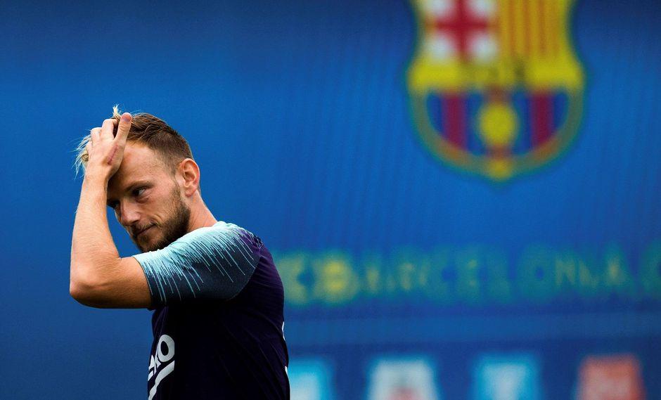 Barcelona solo aceptará salida de Rakitic al PSG sí pagan la millonaria cláusula. (Foto: AFP)