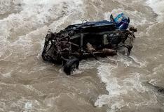 Apurímac: cinco muertos deja caída de camioneta a un barranco en Aymaraes