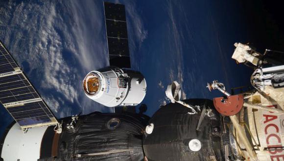 La cápsula SpaceX Dragon llegó a la Estación Espacial Internacional equipada con material científico y proviciones. (Foto: AP)
