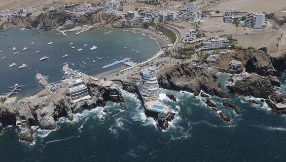 De Santiago de Surco al Boulevard de Asia hay más de 40 playas. El recorrido en helicóptero es de 30 minutos. (Foto: Richard Hirano)