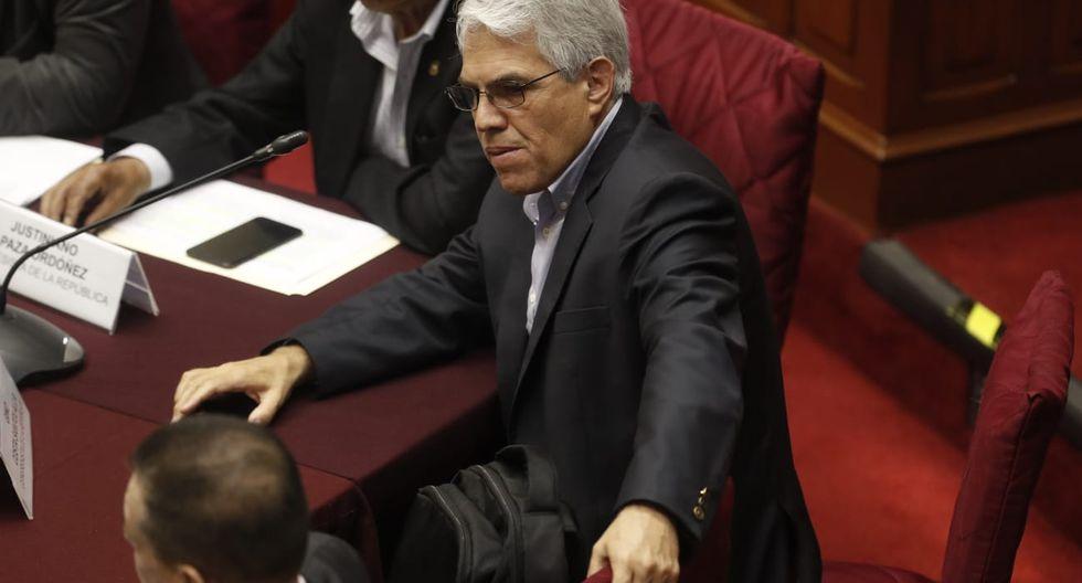 Gino Costa estuvo al inicio de la sesión de la Comisión Permanente y se retiró tras varias críticas de Fuerza Popular. (Foto: GEC)