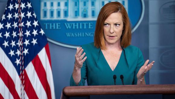La secretaria de prensa de la Casa Blanca, Jen Psaki, habla a los periodistas en la Casa Blanca. (EFE/EPA/SARAH SILBIGER).