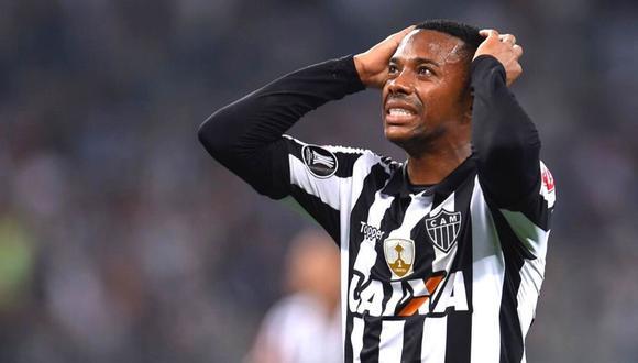 Ratifican condena y prisión para Robinho en Italia  (Foto: AFP)