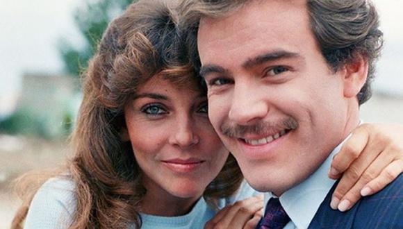 """Guillermo Capetillo junto a Verónica Castro cuando protagonizaron """"Rosa Salvaje"""", en 1987 (Foto: Televisa)"""