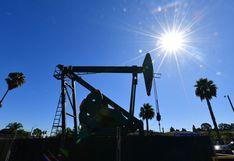 Precio del petróleo opera dispar tras promesa de inyección multimillonaria del G20