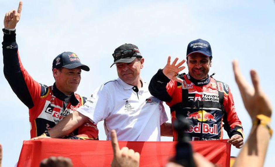 Nasser Al-Atiyah le dio a Toyota su primer título al culminar con éxito la última etapa de Pisco a Lima. El catarí festeja por tercera vez tras sus conquistas del 2011 y 2015. (Foto: AFP)