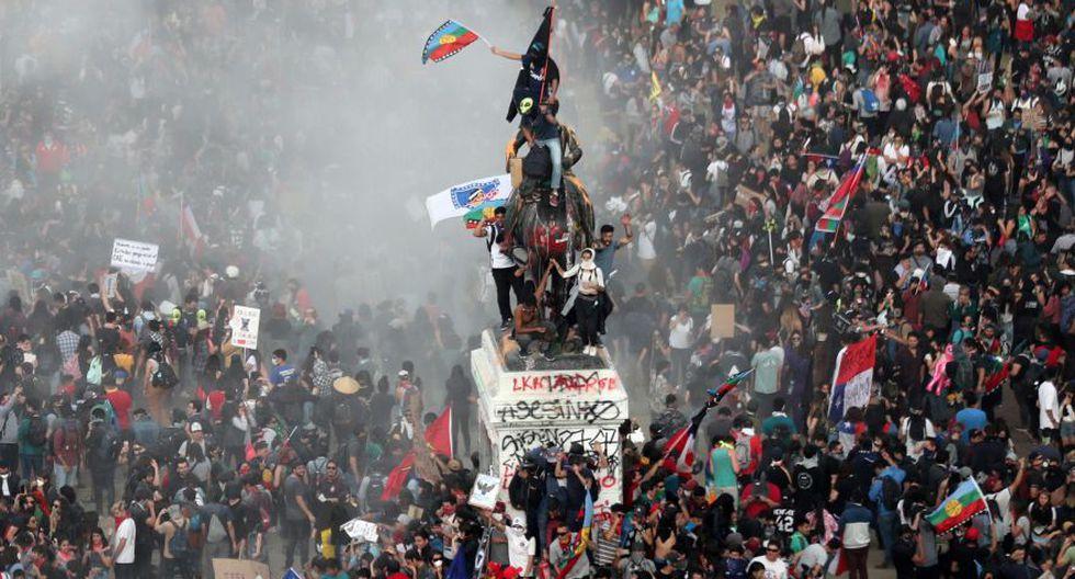 """Tours para """"vivir la revolución chilena"""" genera sensación en turistas europeos. Foto: Reuters"""