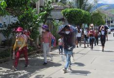Vraem: familias caminan varios días tras perder empleo por estado de emergencia