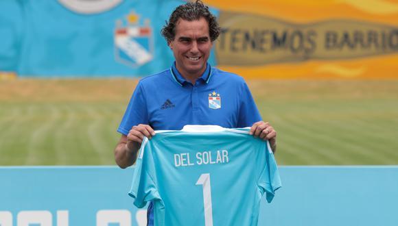 En enero del 2017, Chemo del Solar regresó al Rímac para iniciar su segunda etapa como técnico de Sporting Cristal. Aquella vez recibió la camiseta número '1'. (Foto: Hugo Pérez/GEC).