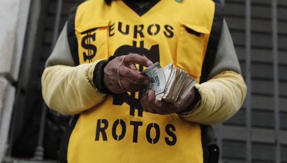 En lo que va del año, el dólar acumula un avance de 8,60% en la plaza local. (Foto: Leandro Britto / GEC)