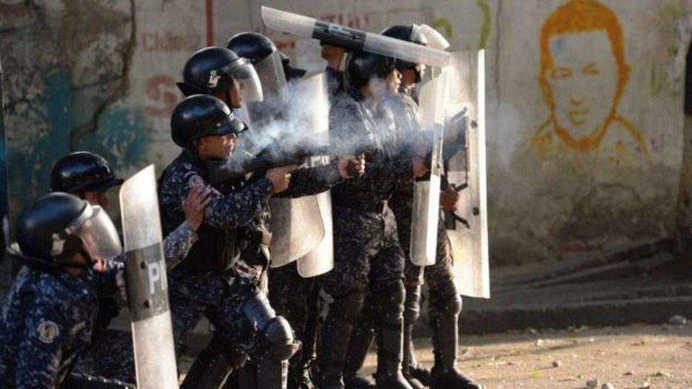 Según el analista ruso Viktor Semenov, al gobierno de Maduro le conviene contenerse en la represión de las protestas.