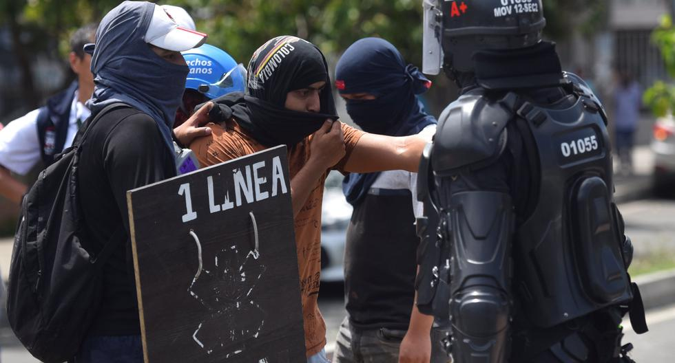 Two civilians killed and four policemen injured after new riots in Cali