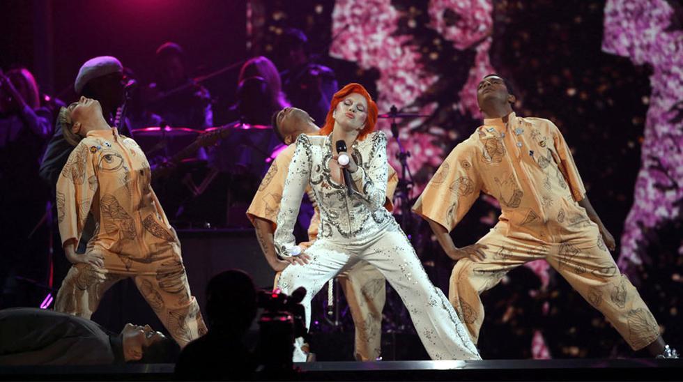 El homenaje de Lady Gaga a David Bowie en el Grammy [FOTOS] - 12
