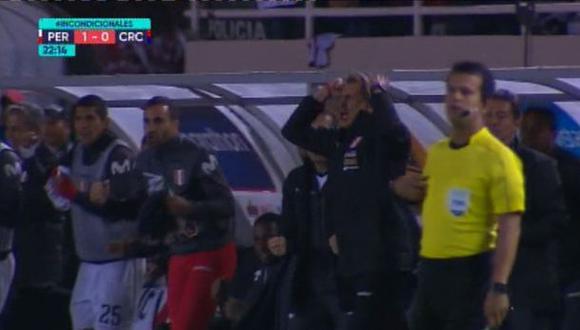Perú vs. Costa Rica EN VIVO: 'Tigre' Gareca y su efusiva celebración tras gol de Edison Flores   VIDEO. (Foto: Captura de pantalla)