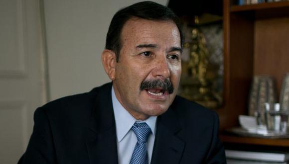 Miguel Hidalgo indica que los reglajes más evidentes han sido a Marisol Espinoza y Alan García. ()