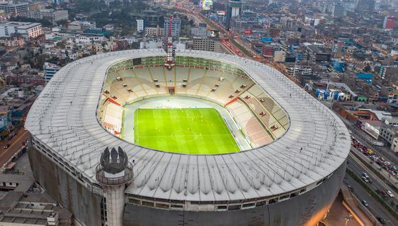 Estadio Nacional, hace unas horas. Así se ve la principal cancha del país, en el retorno cuestionado de la Liga 1. FOTO: Giancarlo Ávila.
