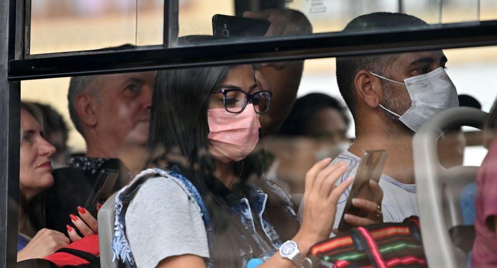 Los casos de coronavirus en el Perú continúan en ascenso, mientras el estado de emergencia continúa hasta fines de marzo (Foto referencial: AFP)